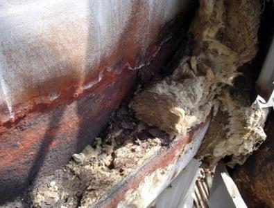 Rust under isolasjon på rør